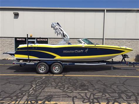mastercraft boat yellow 2016 mastercraft x46 25 foot blue yellow 2016