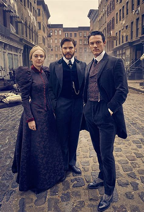 the alienist tnt tie in edition a novel books caleb carr the alienist books 17th