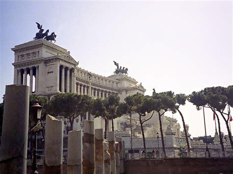 terrazza vittoriano file roma vittoriano jpg wikimedia commons