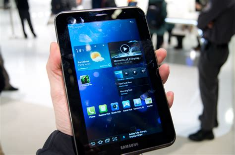 themes galaxy tab 2 samsung galaxy tab 2 7 0 and 10 1 review first look alphr
