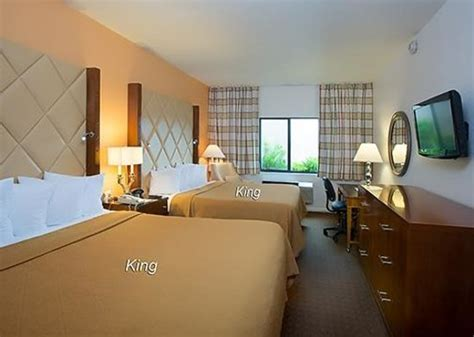 how big is 350 square newly remodeled 1 king bed interior corridor nonsmoking room size 350 sq ft or 33 sq meters