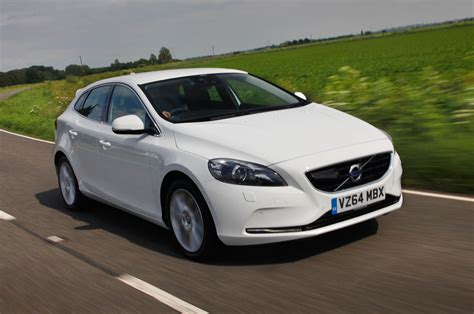 volvo co volvo v40 t5 r design lux nav first drive review autocar
