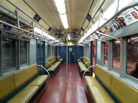 Metro New York Interieur by File R12 Irt Subway Car Interior Jpg Wikimedia Commons