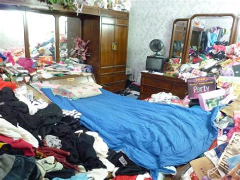 hoarder room from the hoarders what living with the illness is like