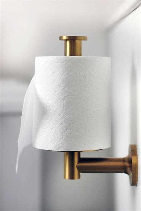 how to hang toilet paper best way to hang toilet paper switch the holder to