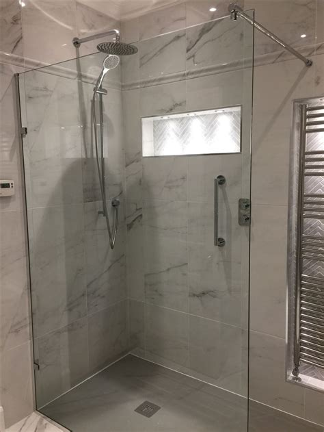 Bathroom Shower Rails Brassware By Vado Comprising Of The Tablet Valve Oval Aquablade Fixed Shower Atmosphere