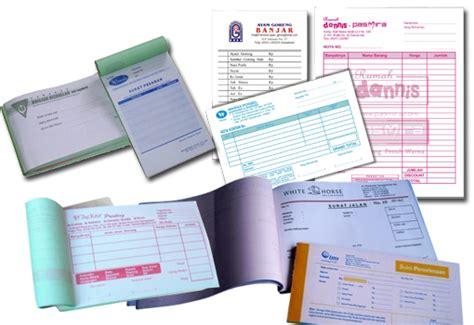 Berbagai Jenis Kwitansi percetakan kebumen cetak undangan banner brosur nota kartu nama stiker kemasan kalender