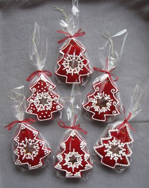 Decorating Gingerbread Cookies by Decorating Gingerbread Cookies Merry