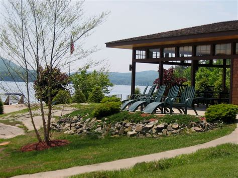 lakefront bayfront cottages lake george new york