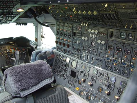 file flight engineer station of boeing 747 200 ph buk at aviodrome lelystad jpg wikimedia