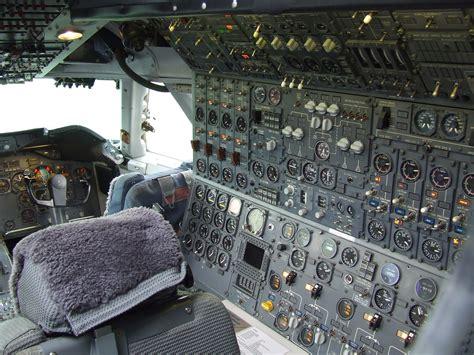 f 225 jl flight engineer station of boeing 747 200 ph buk at