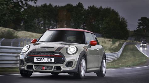 2019 Mini Cooper Jcw by 2019 Mini Cooper Works Hardtop And Convertible Make Debut