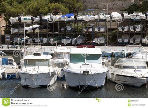porto della francia stoccaggio della barca nel porto della francia piacevole
