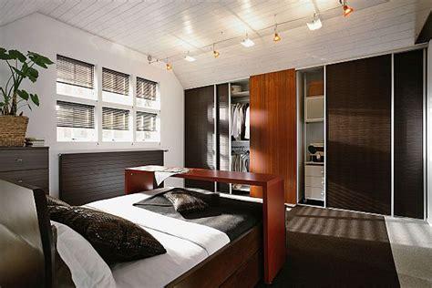 Badezimmermöbel Mit Viel Stauraum by Nat 252 Rlicher Schlafkomfort
