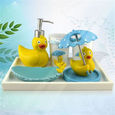 Hot giant rubber duck resin bathroom set five pieces bath set toothbrush holder family set free
