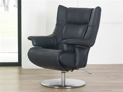 zerostress sofa himolla opus zerostress integrated recliner leather chair