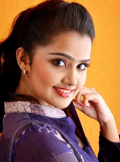 Find By Pictures Anupama Parameshwaran Premam Photos New Images