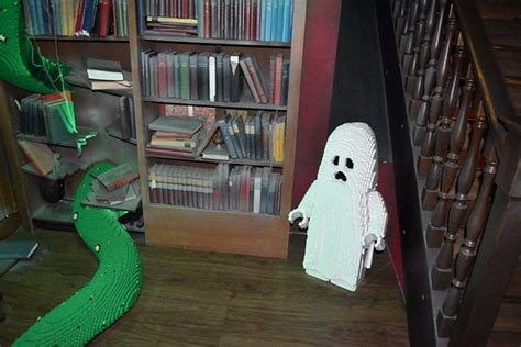 inside haunted house haunted house inside www pixshark com images galleries with a bite
