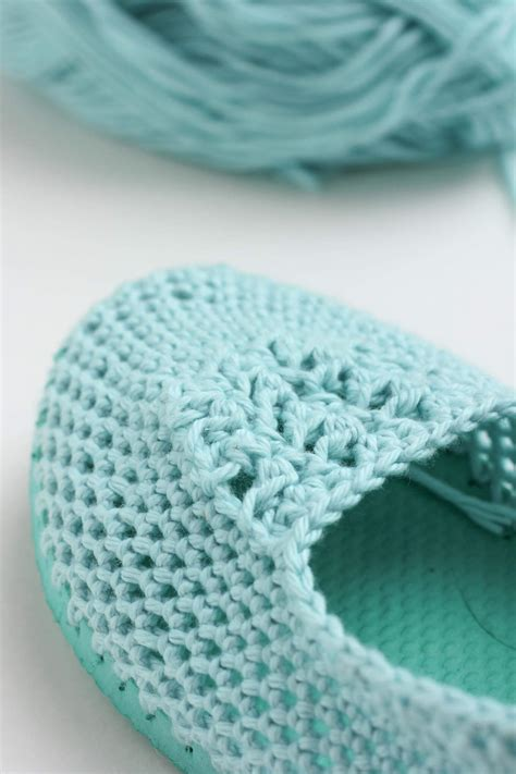 crocheted slipper patterns crochet slippers with soles free crochet patten using