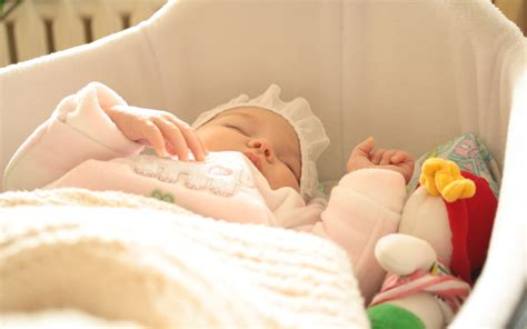 Cute Baby Sleep In Crib Bedding Wallpapers Hd Wallpapers How Does A Baby Sleep In A Crib