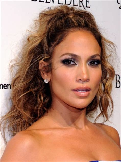 Jennifer Lopez Tousled Long Curly Hairstyle   PoPular Haircuts