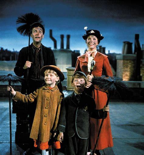 film disney mary poppins mary poppins outdoor movies open air cinema backyard