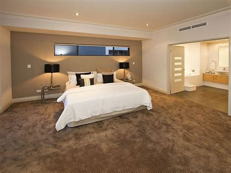 modern bedroom design idea with carpet doors using brown colours bedroom photo 341887