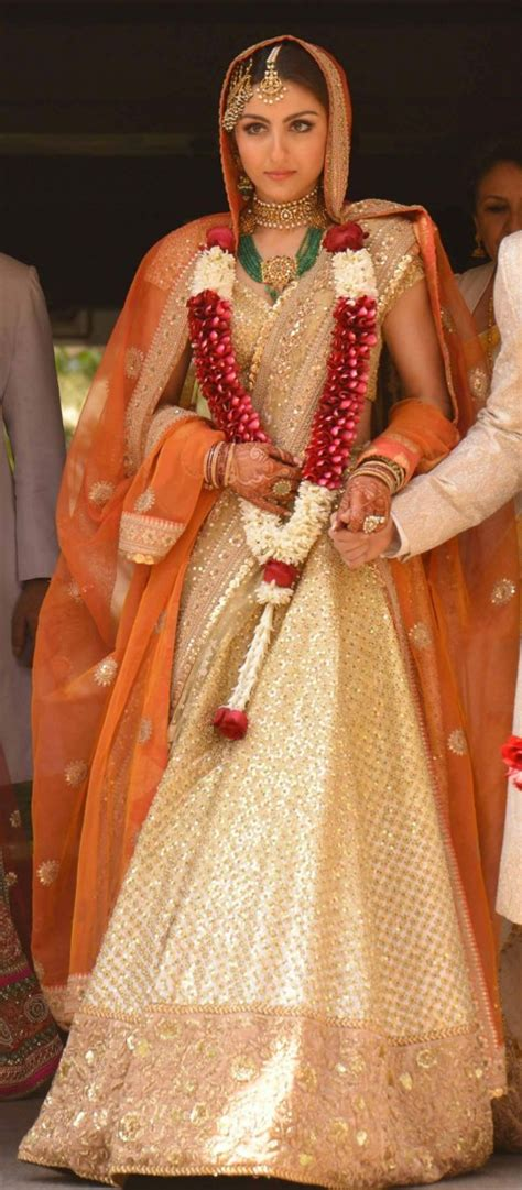 soha ali khan wedding pic this look what jewellery wore on their