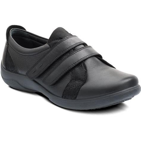 verse black leather velcro shoe