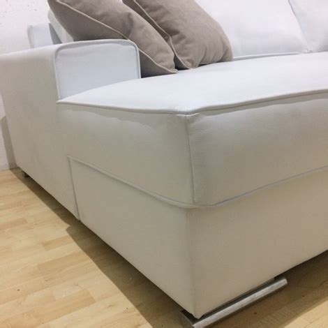 divano bianco in pelle divano bianco in pelle con penisola gienne italia divani