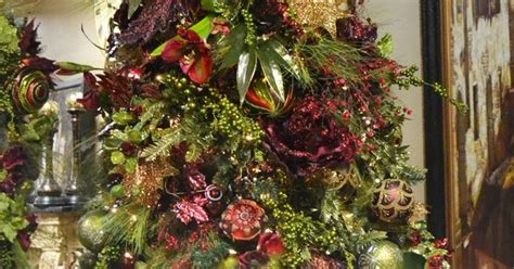 29 news bed bugs in christmas trees burgundy green themed tree traditional style