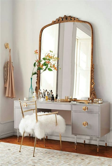 Vintage Bedroom Vanity With Mirror by Best 25 Vintage Vanity Ideas On Vanity Table