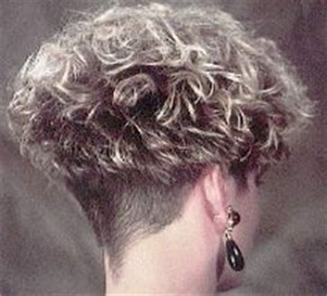 cropped hairstyles with wisps in the nape of the neck for 1000 images about hair on pinterest short curly hair
