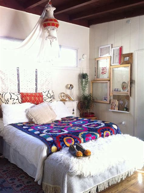 bohemian style bedrooms three must read tips for achieving a bohemian d 233 cor in your home