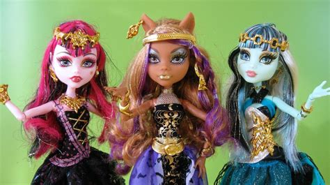 imagenes de la familia wolf monster high 13 wishes clawdeen wolf draculaura and