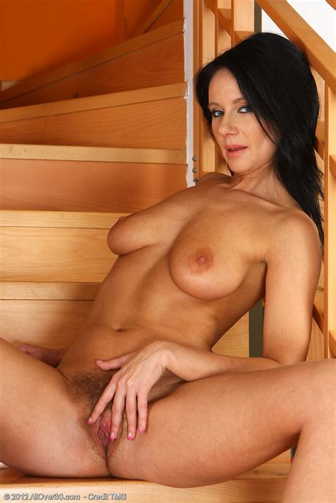 Enza Brunette Woman Reveals Her Hairy Hole