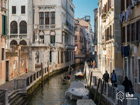 appartments in venice flat apartments for rent in a palace in venice iha 30668
