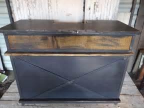 meuble bar en acier et bois de style industriel meubles