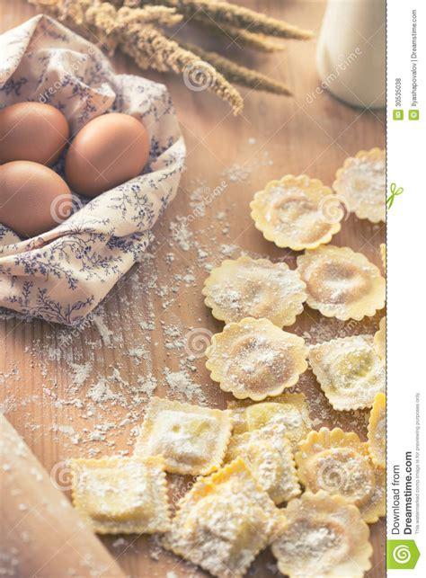 Handmade Tortellini - tortellini royalty free stock photos image 30535038