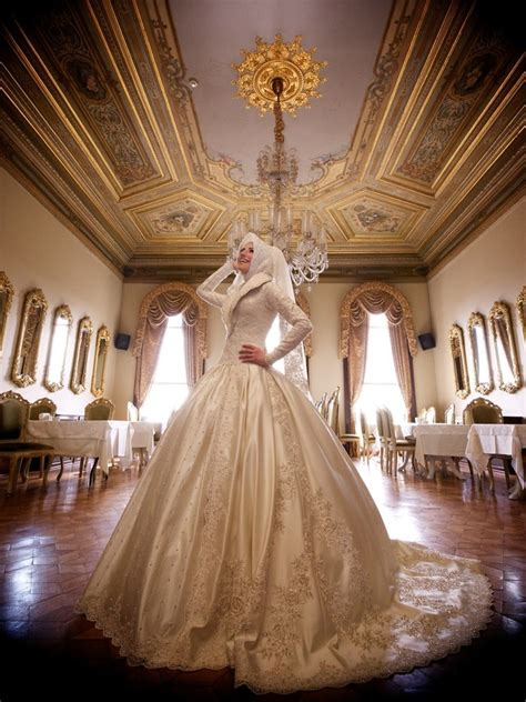 Kebaya Maxi Cinderella inspirasi gaun pengantin muslim ini bisa membuatmu tak