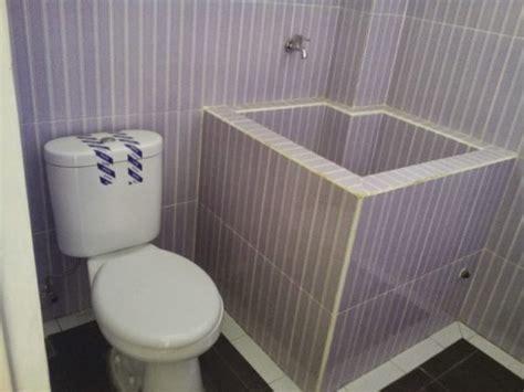desain kamar mandi yang sehat menyiasati desain kamar mandi kecil sederhana agar