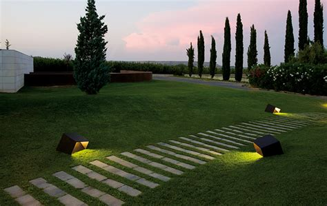 landscape lighting design tips outdoor lighting tips and recommendations from lighting