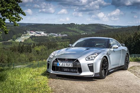 nissan skyline 2017 2017 nissan gt r first drive review