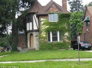 Cheap 1 Bedroom Homes For Rent Investor Buys Blight Bundle Of Detroit S Worst Houses