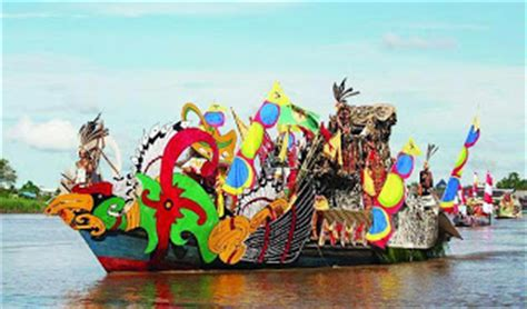 Lu Hias Panjang dayak perahu hias festival budaya isen mulang