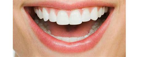 Gigi Sehat Dan Cantik kesehatan gigi dan mulut segiempat