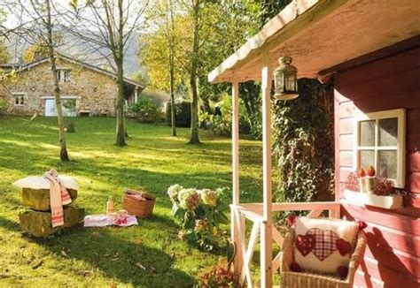 cottage style furnishings and outdoor home decorating