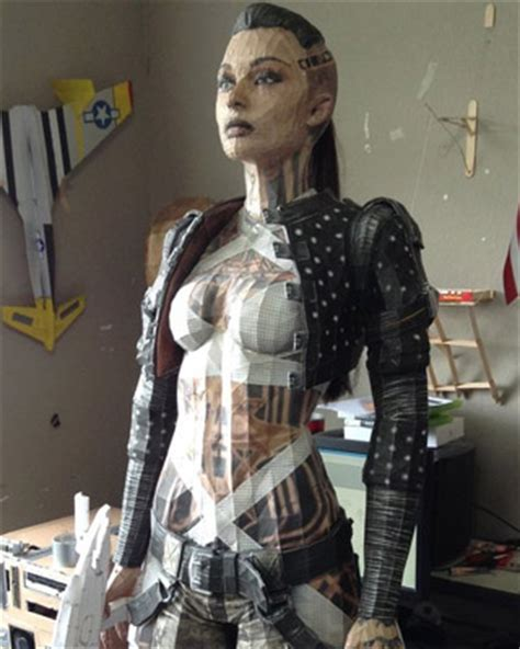 Awesome Papercraft - mass effect papercraft is ridiculously awesome
