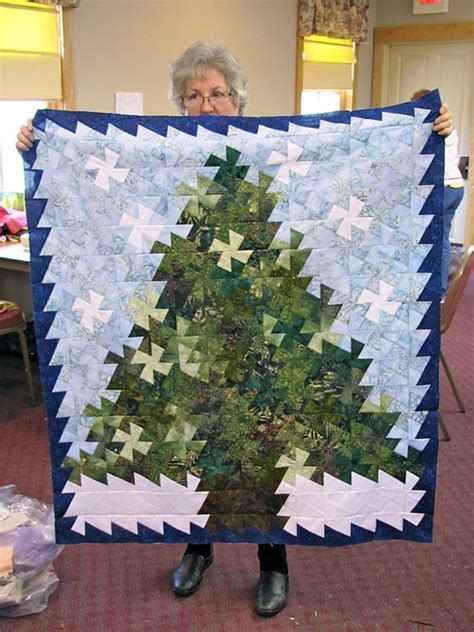 twister christmas tree quilt pattern pin by colleen lane on twister quilts pinterest