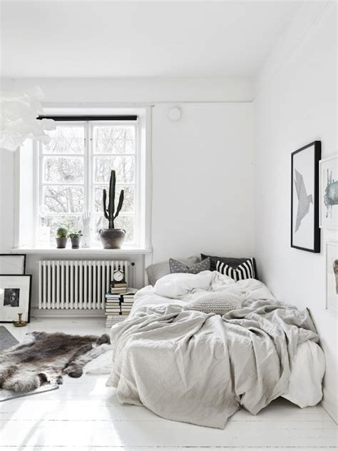 tiny apartment inspiration 25 best ideas about small bedroom inspiration on